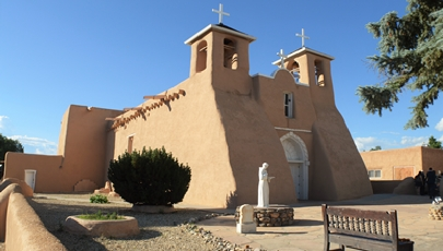 San Francisco de Asis Mission Church Photo Credit: https://www.san-francisco-de-asis.org