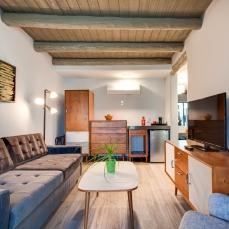 El Vado - Guestroom 3 - Matt Oberer - D+ NMAF